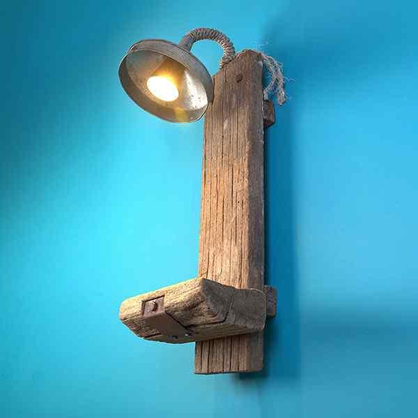 FUNNEL OF LIGHT: Display shelf with spot light